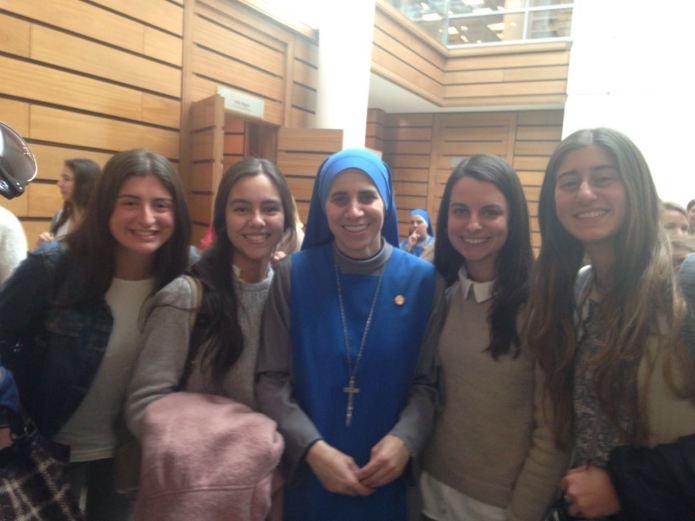 Hermana Guadalupe con Nazarenas Chilenas