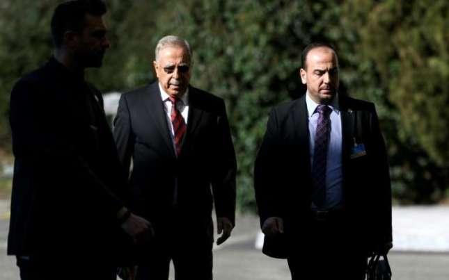 le-chef-de-la-delegation-de-l-opposition-syrienne-nasr-al-hariri-d-et-l-un-de-ses-membres-yahya-kodmani-le-23-fevrier-2017-a-geneve