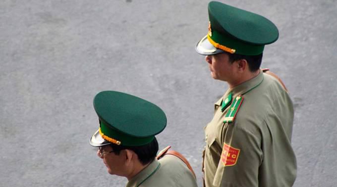 policia_vietnam_flickr_lutherbaileycc_by_nc_sa_20_120217